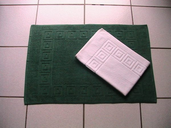 Bath Mats 50x75 Greek Keys